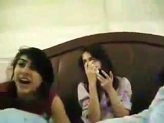 Pakistani College Girls Phudian